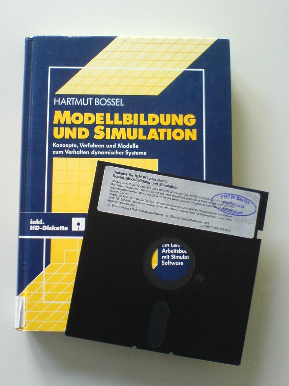 5,25″ Diskette im Mathebuch