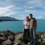 Andi und Kaddi am Lake Pukaki mit Mount Cook im Hintergrund