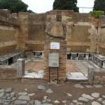 Toiletten (Ostia Antica)