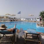 Pool mit Blick auf's Meer
